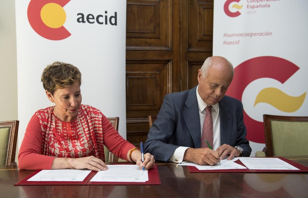 La AEC firma un convenio de colaboración con la AECID